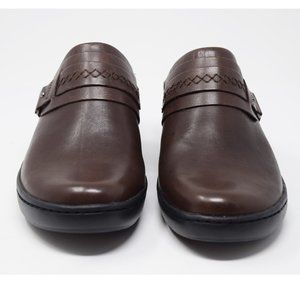 NWOT Clarks Collection Brown Clogs Size 8.5